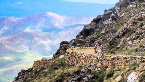 Cycling, caves and Ostriches at Oudtshoorn