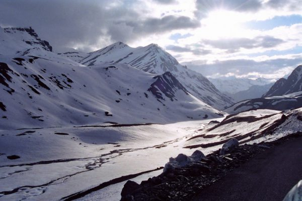 Places to visit during winters manali from Delhi