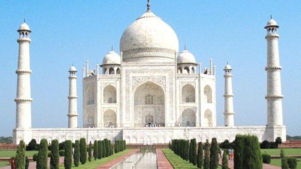 Delhi to Lucknow Taj Mahal