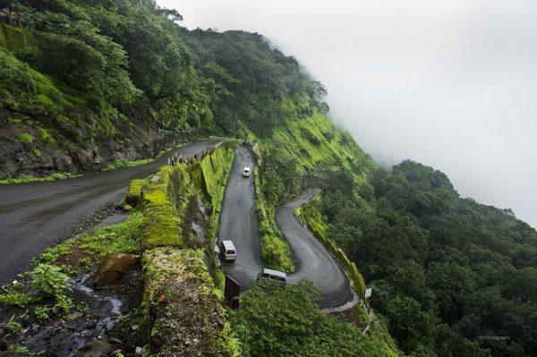 Chauffeur driven car in Mumbai