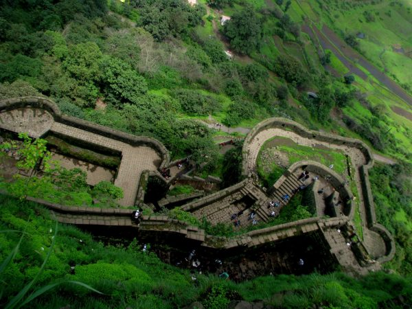 hire a car rental from Mumbai to Lohagad