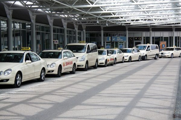 hire a car on rent for airport