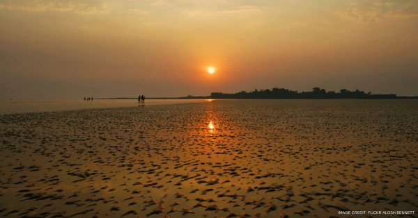Alibaugh Beach in mumbai