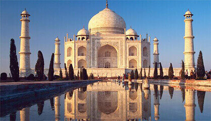 Rent a Car from Noida Online and Visit Agra